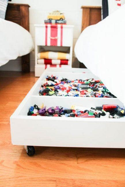 Original idea para guardar juguetes bajo la cama