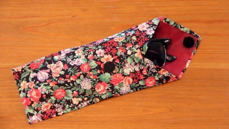 Reciclar una corbata para convertirla en una funda de gafas 4