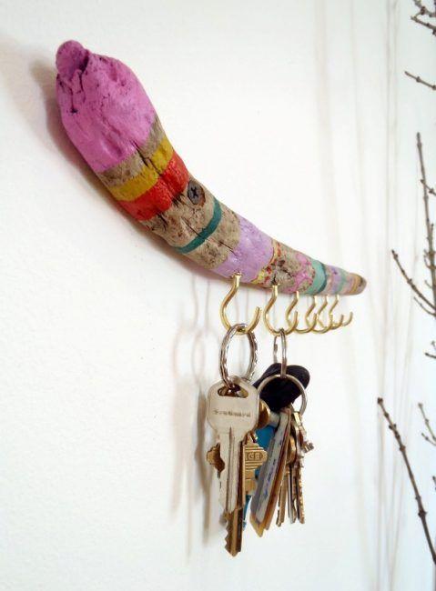 Cuelga llaves hecho con rama de árbol