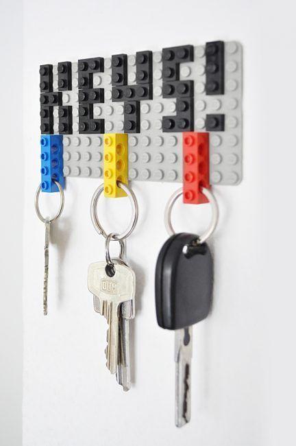 Cuelga llaves hecho de LEGO