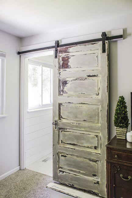 10 diy para reciclar puertas antiguas de madera la for Construir puerta corredera