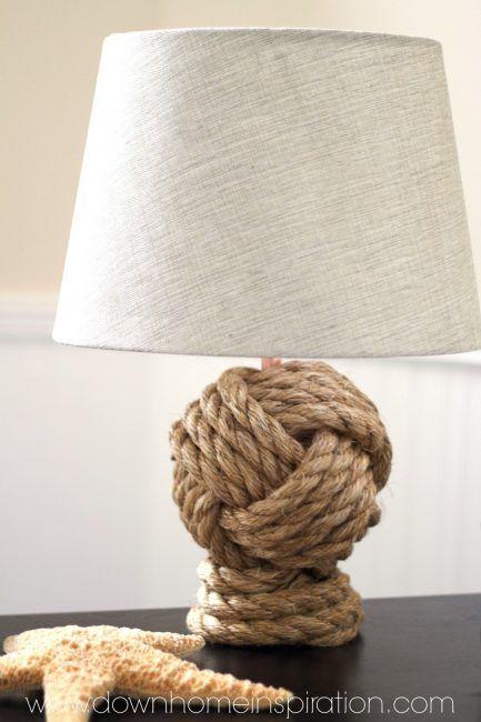 Lámpara con soporte de cuerda