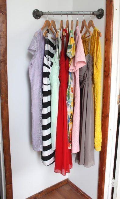 Utilizar una esquina para colgar la ropa