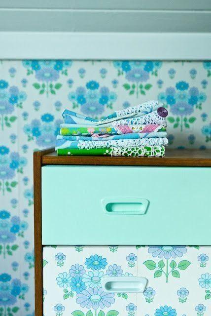 Cómo decorar una cómoda - papel pintado