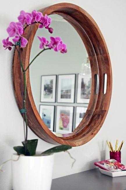 Espejo en bandeja de madera