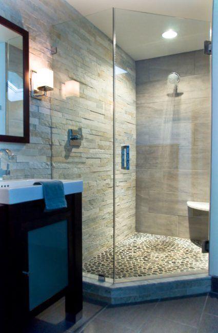 Suelo de ducha hecho con cantos rodados