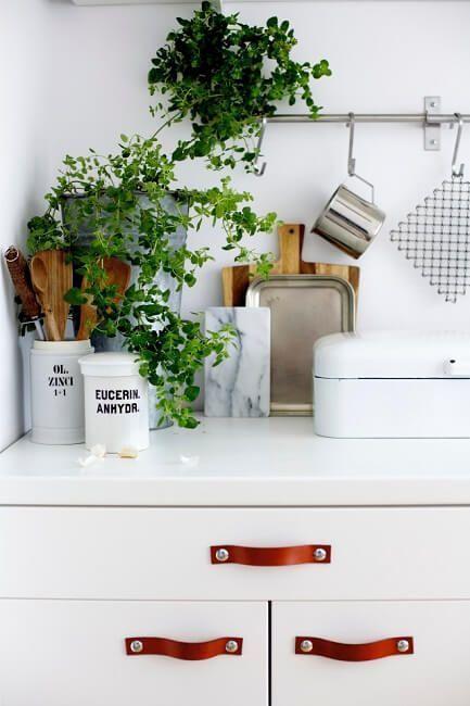 Tiradores de cuero para muebles de cocina