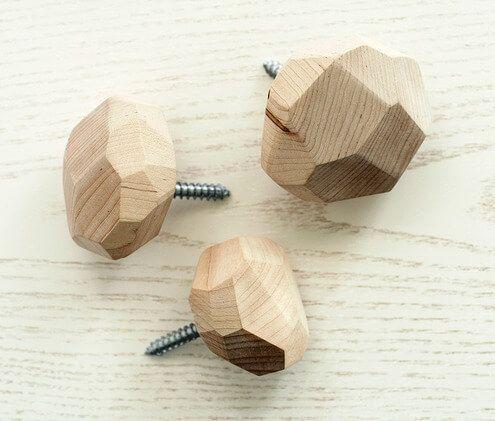 Tiradores para muebles hechos de madera