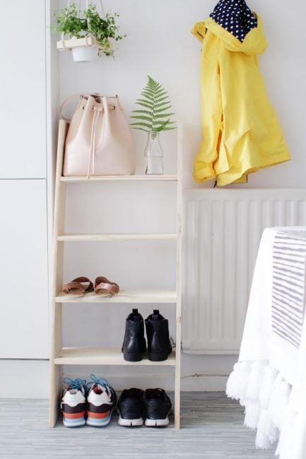 Escalera de madera para recibidor