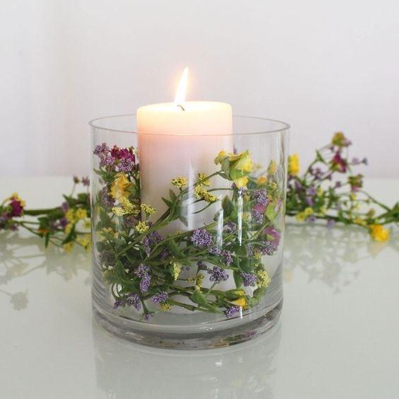 Decoración con velas y flores