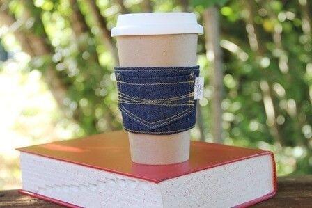 Funda vaquera para llevar el café