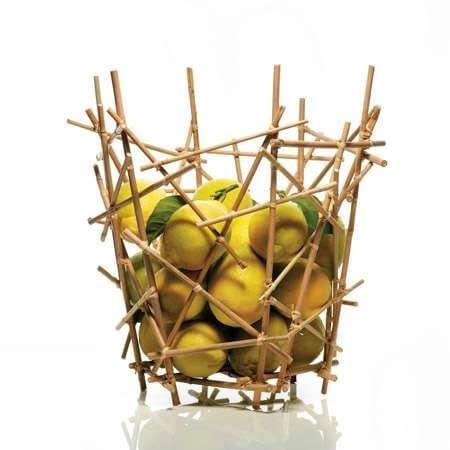 Frutero hecho de bambú