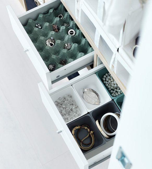 Organizar bisutería en hueveras