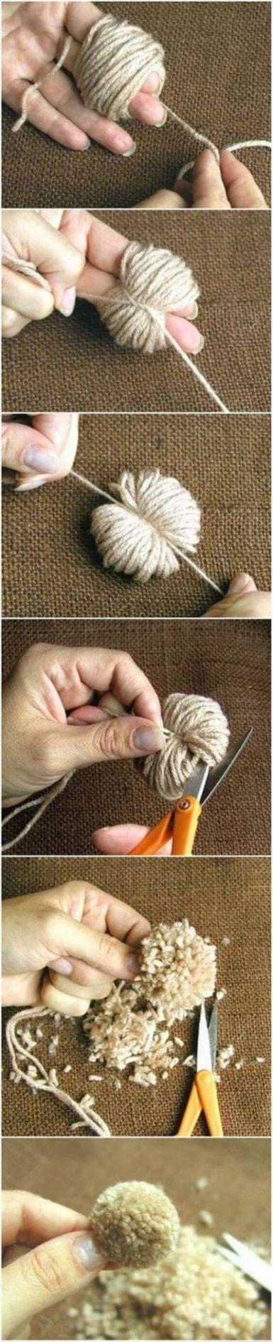Cómo hacer pompones con los dedos