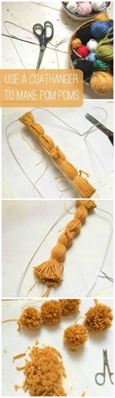 Cómo hacer pompones con una percha