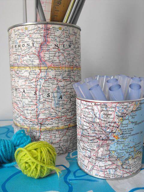 Latas de conservas decoradas con mapas