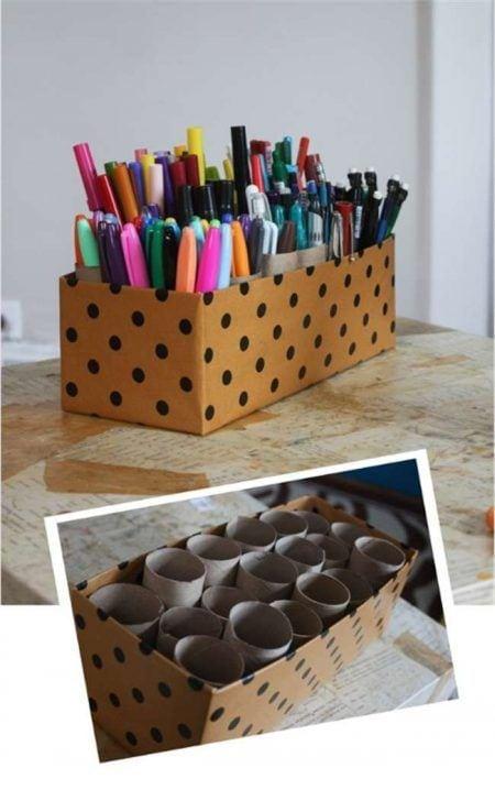 Organizador de escritorio con rollos de papel