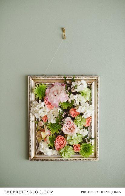 Cuadro con flores artificiales
