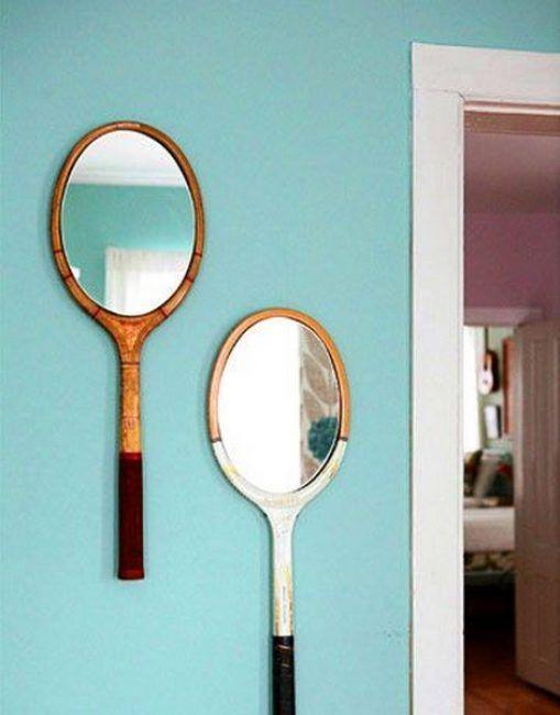 Decorar con una raqueta y un espejo