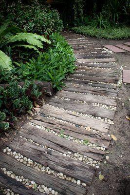 Jardines rústicos con traviesas de madera