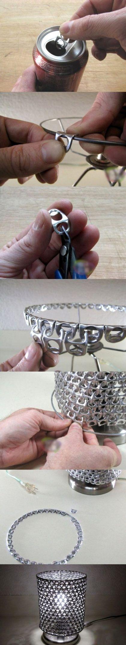 Pantalla de lámpara con anillas metálicas