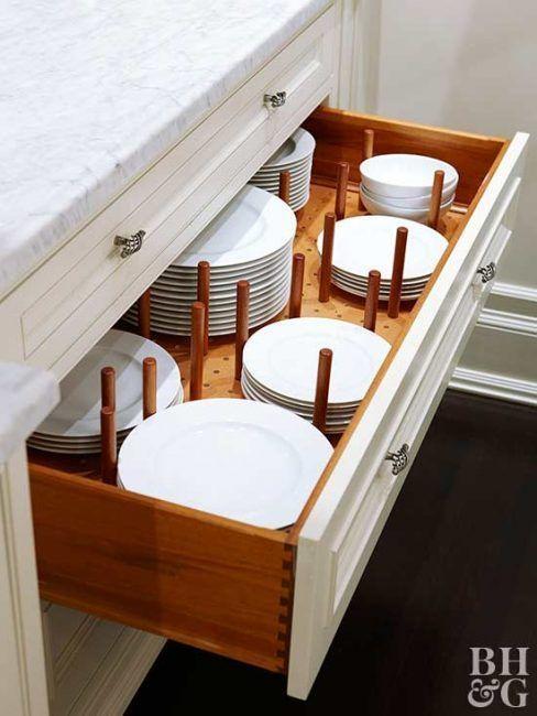 Pegboard para organizar los cajones de la cocina