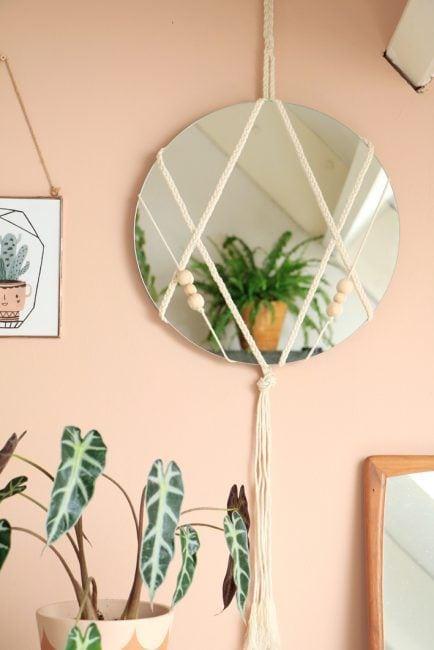 Utilizar cuerda para colgar un espejo