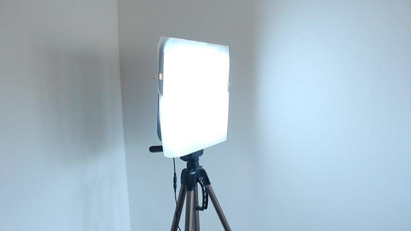 Panel LED con papel de horno