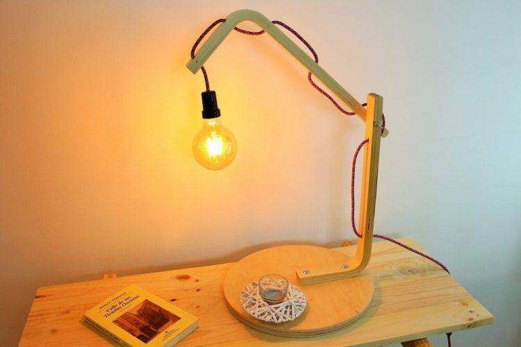Lámpara con bombilla vintage