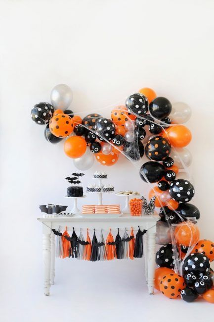 Decoración de Halloween con globos