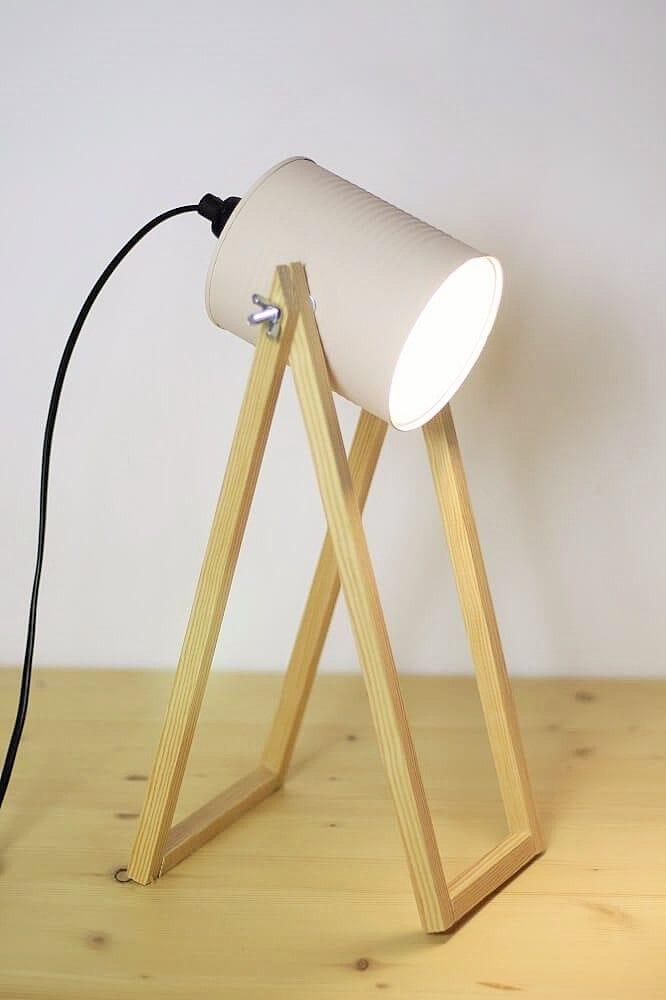 Lámpara con lata de conserva