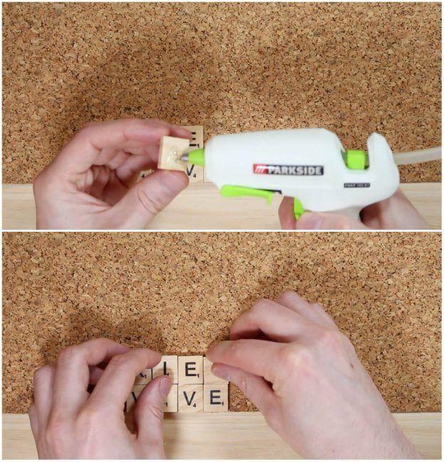 Pasos para hacer posavasos: pegar las letras