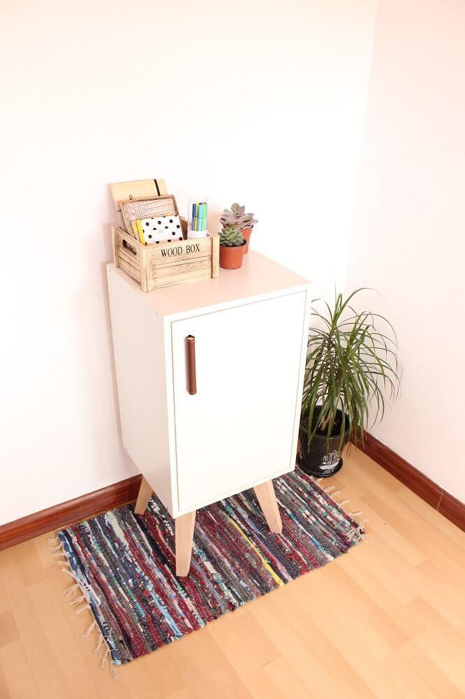 Mueble auxiliar con armario de pared