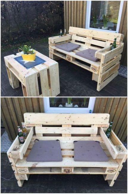 Mesa y sofá para exterior con palets