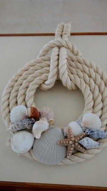Decoración con conchas y cuerda