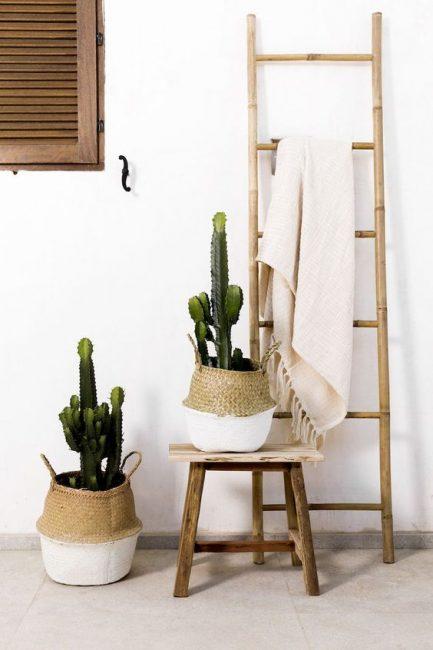 Escalera de bambú alta