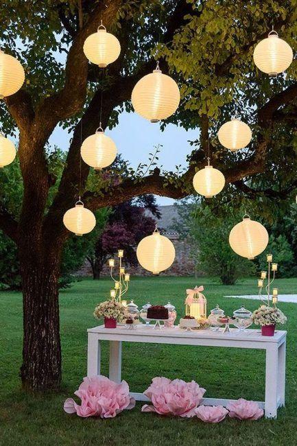 Decoración de jardín con luces