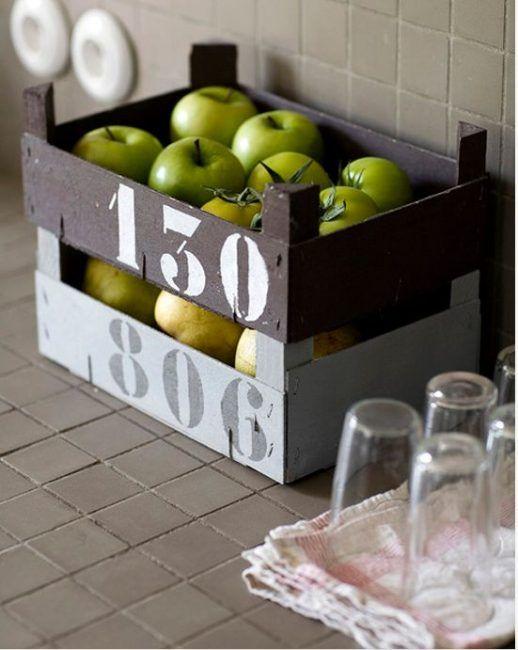 Cajas de fresas con estilo industrial
