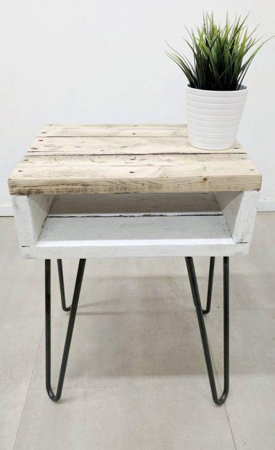 Restos de madera y patas hairpin
