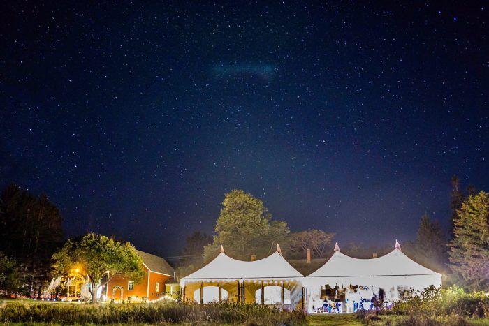 Iluminación en bodas al aire libre