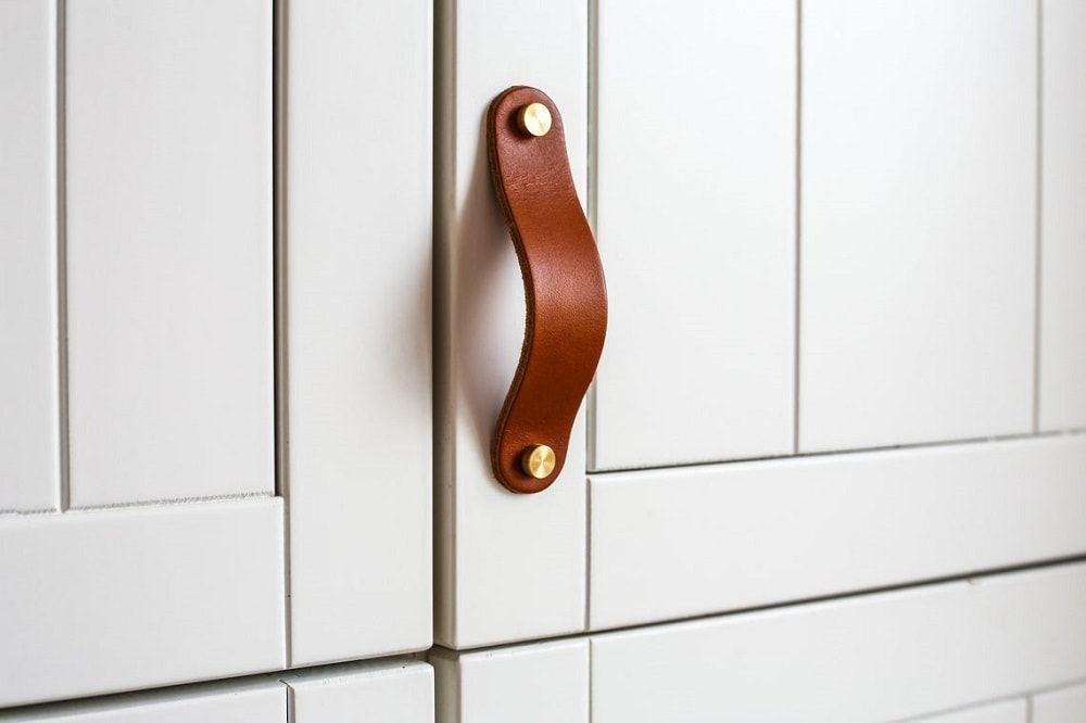 Tirador de cuero para puertas de muebles